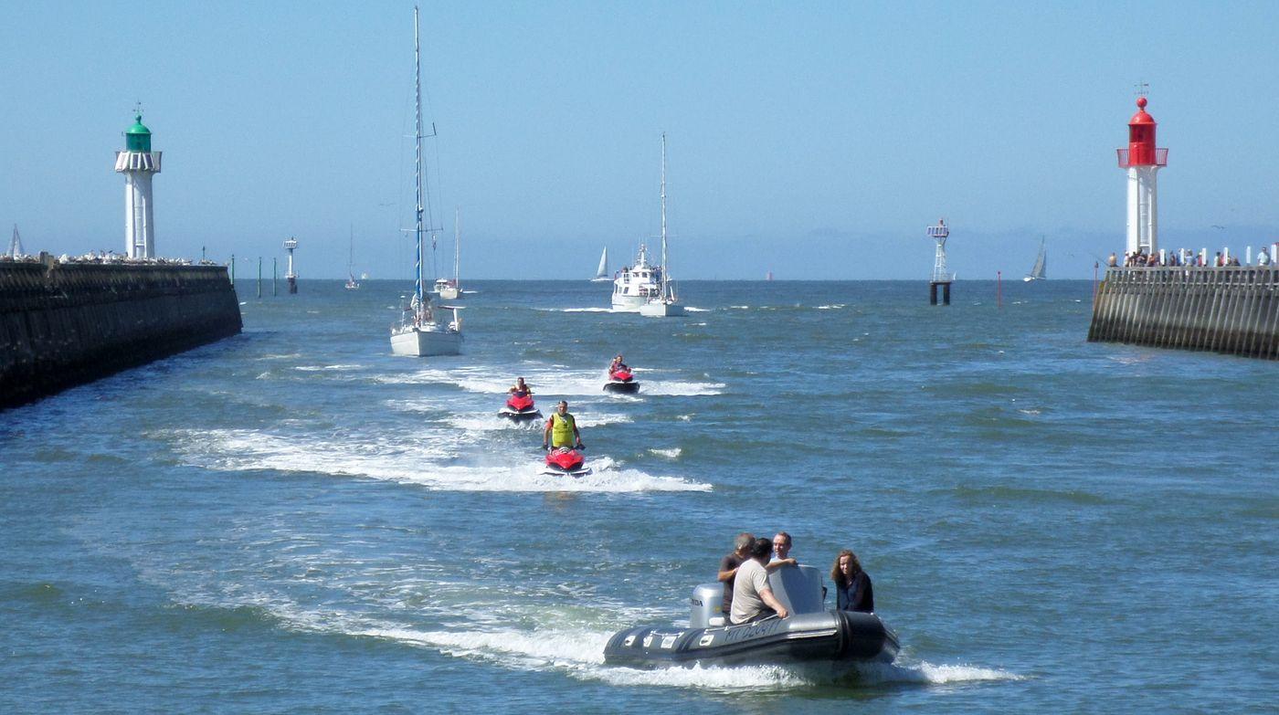 les bateaux rentrent au port
